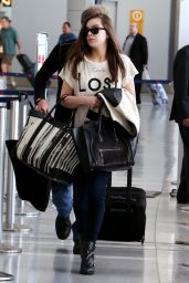 Hailee Steinfeld at Pearson Airport in Toronto, June 2015