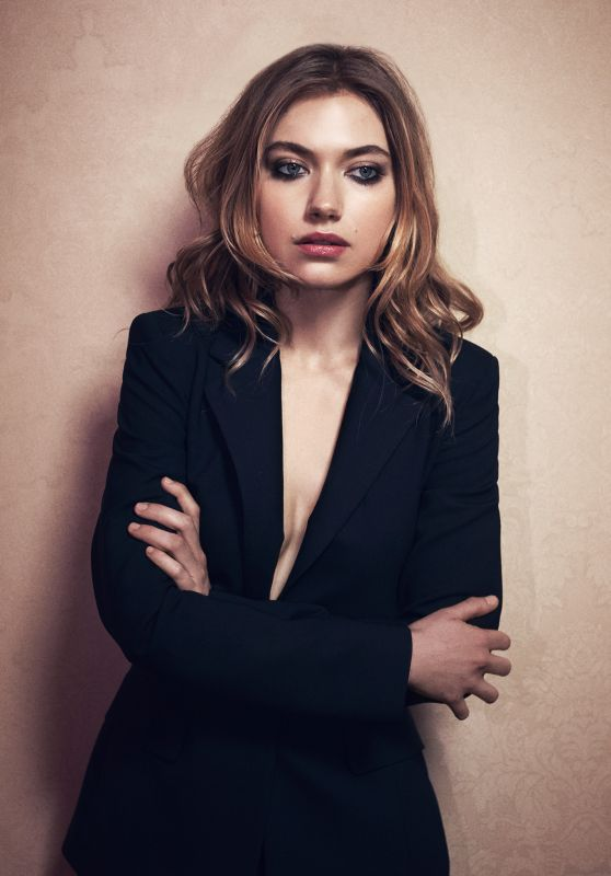 Imogen Poots Photos - Malibu Magazine June 2015