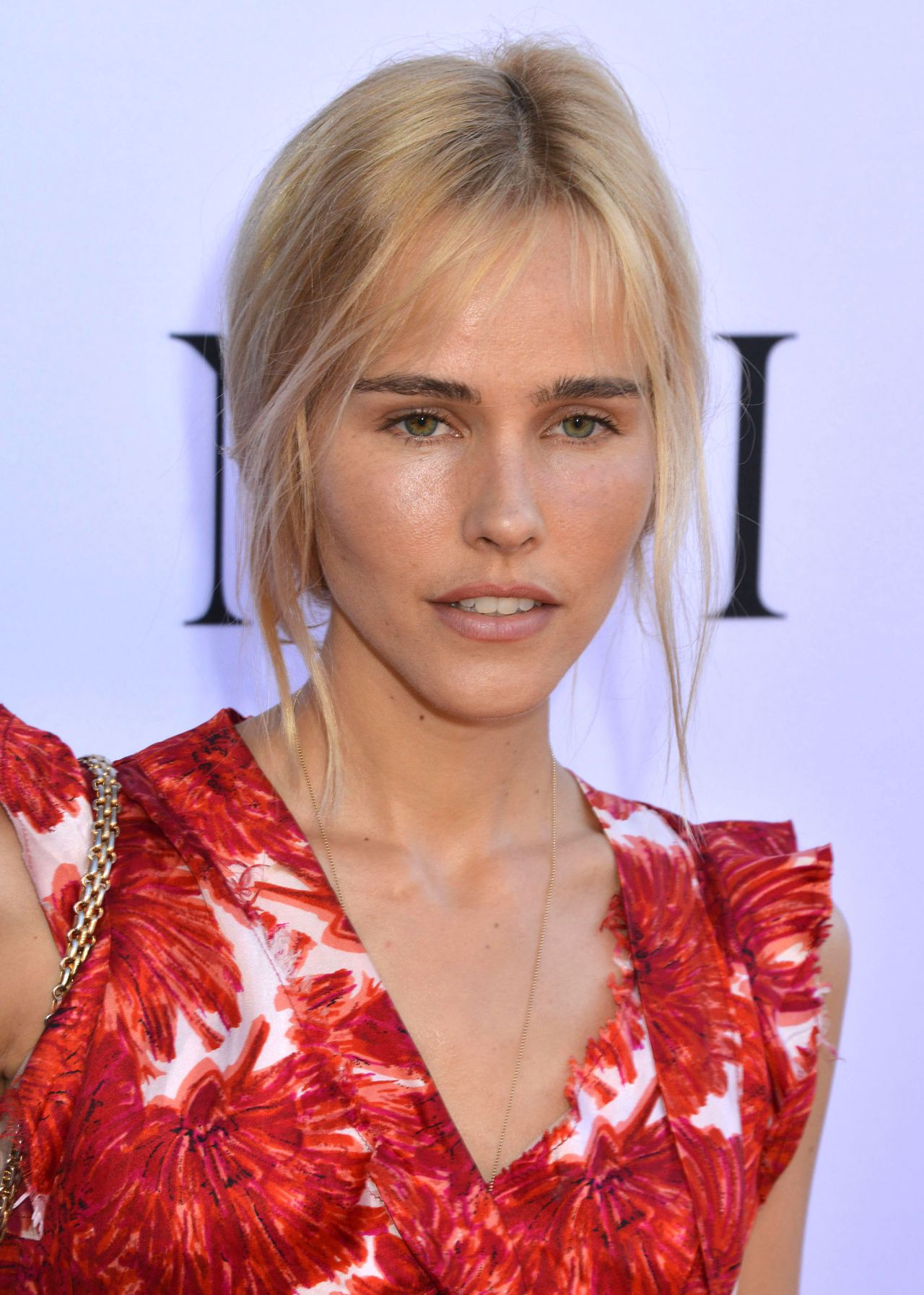 Isabel Lucas Unity Premiere In Los Angeles
