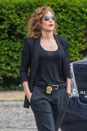 Jennifer Lopez - On set of
