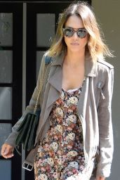 Jessica Alba Shopping in Los Angeles, June 2015