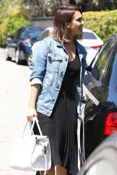 Jessica Alba Visits a Friend in Beverly Hills, June 2015