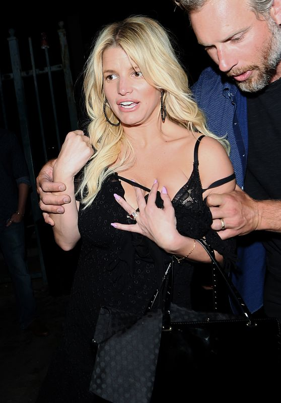 Jessica Simpson - Leaving Sawyers Club, June 2015
