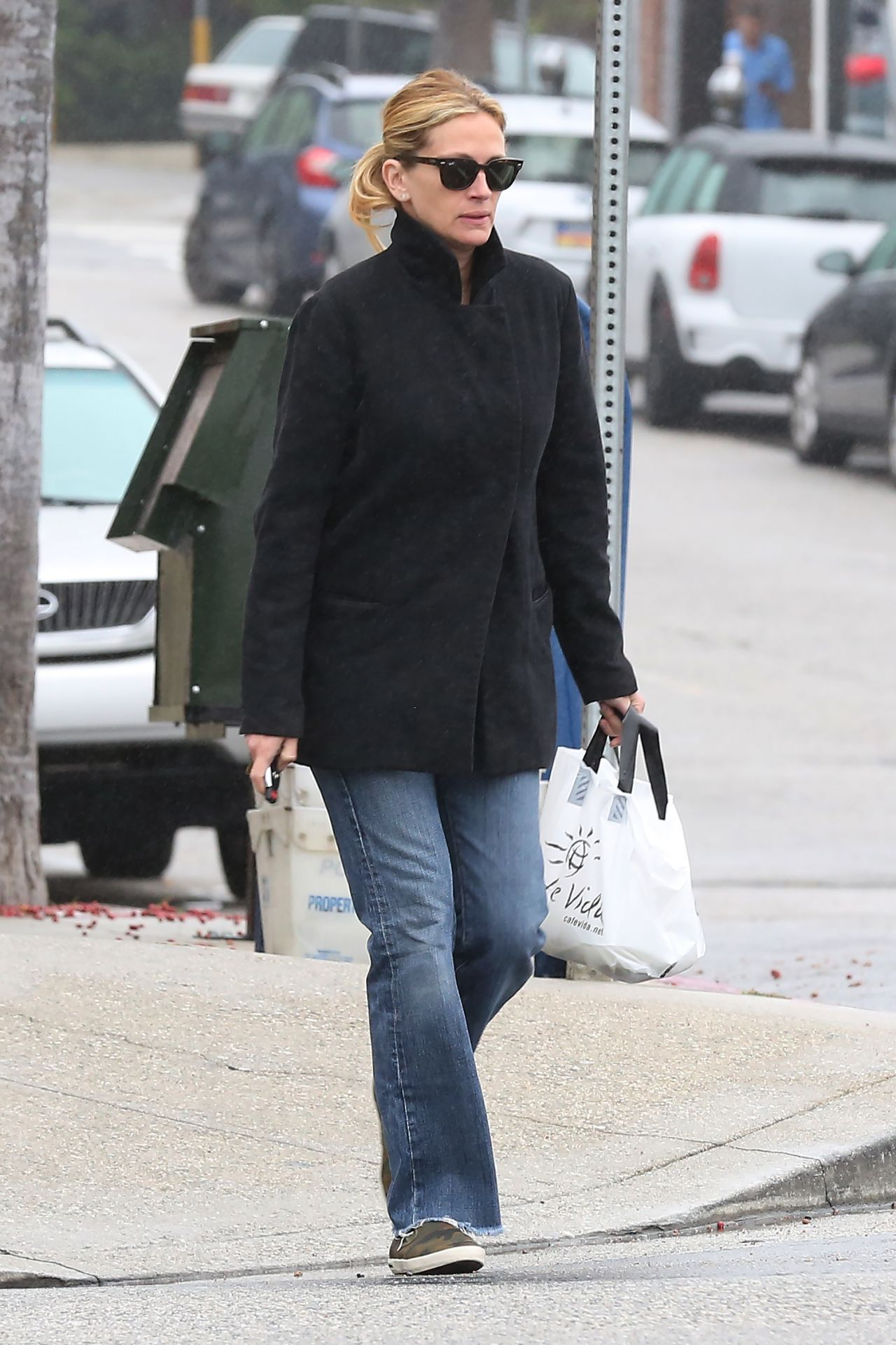 Julia Roberts - Out in LA. June 2015