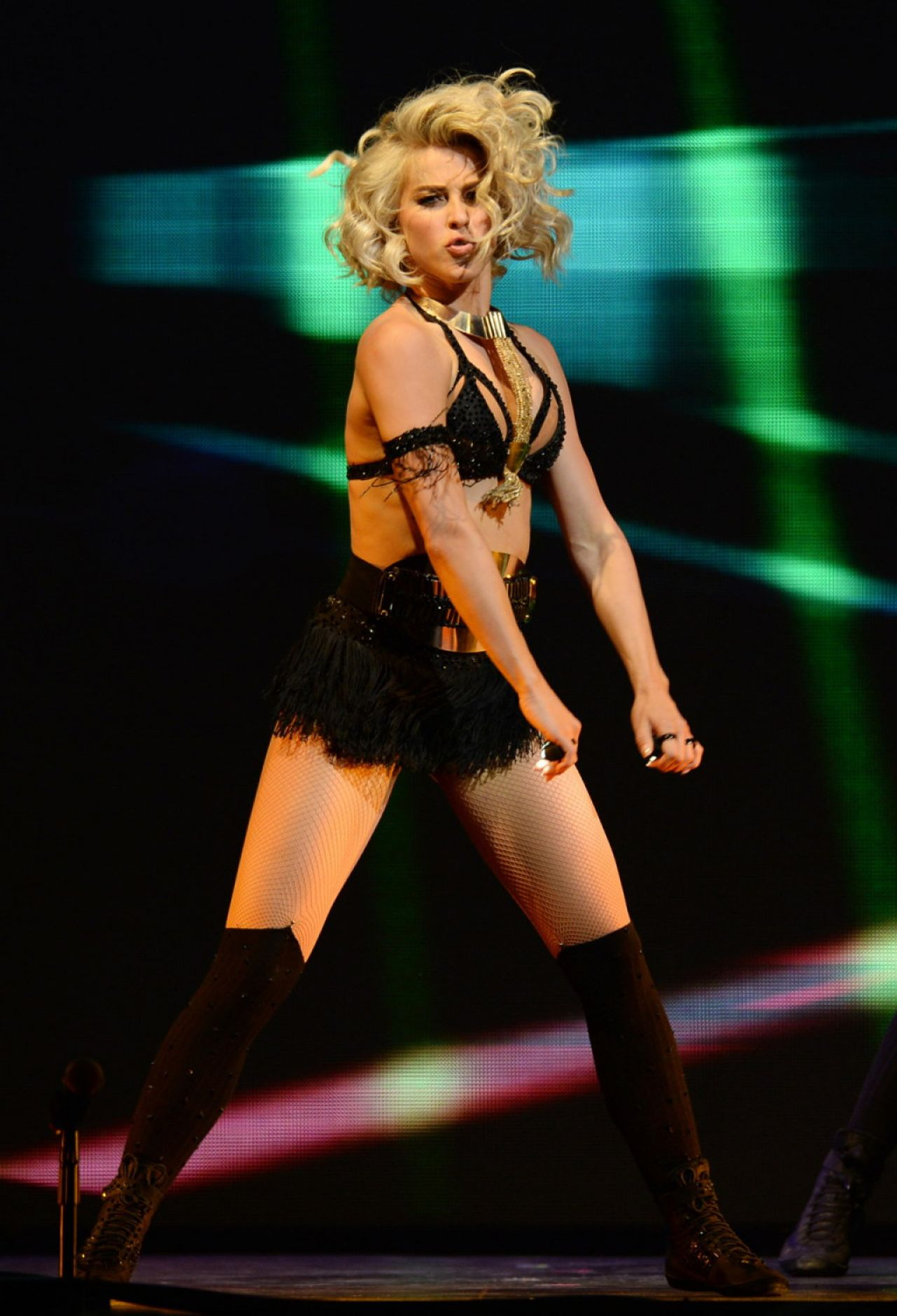 Julianne Hough Performing At Move Live On Tour In