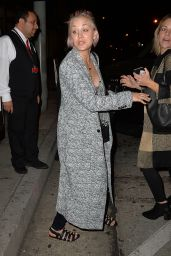 Kaley Cuoco at Craigs Restaurant, June 2015