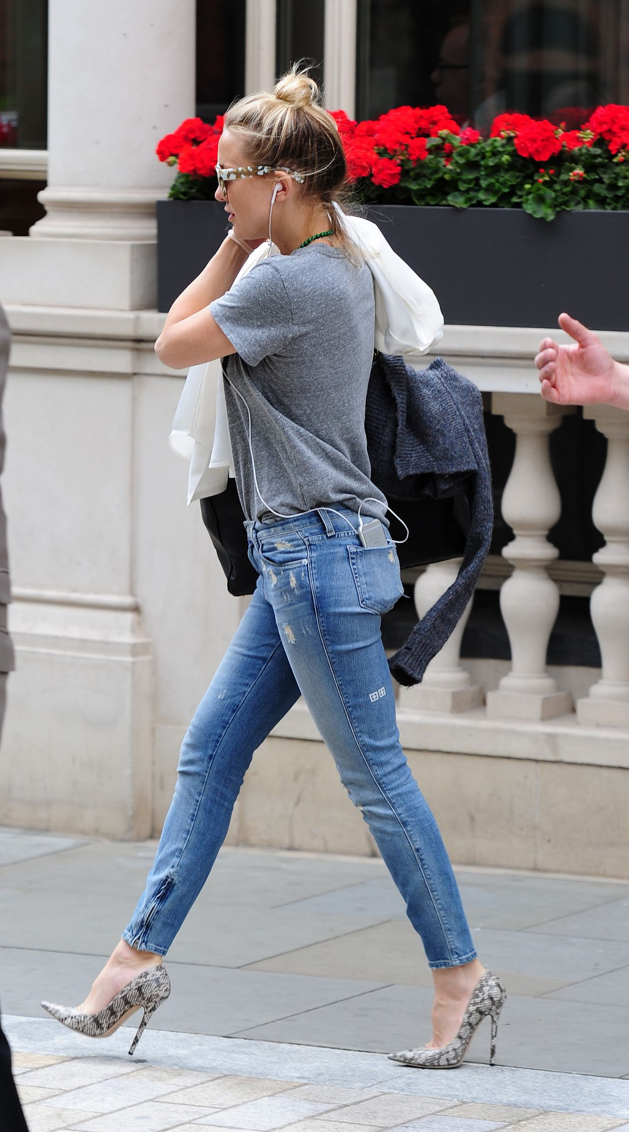 Kate Hudson In Jeans Out In London June 2015