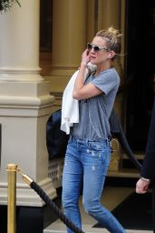 Kate Hudson in Jeans - Out in London, June 2015