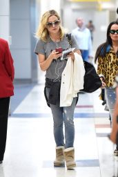 Kate Hudson - JFK Airport in NYC, June 2015