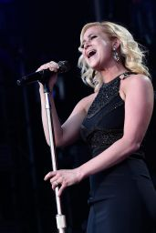Kellie Pickler Performing at the CMA Festival in Nashville, June 2015