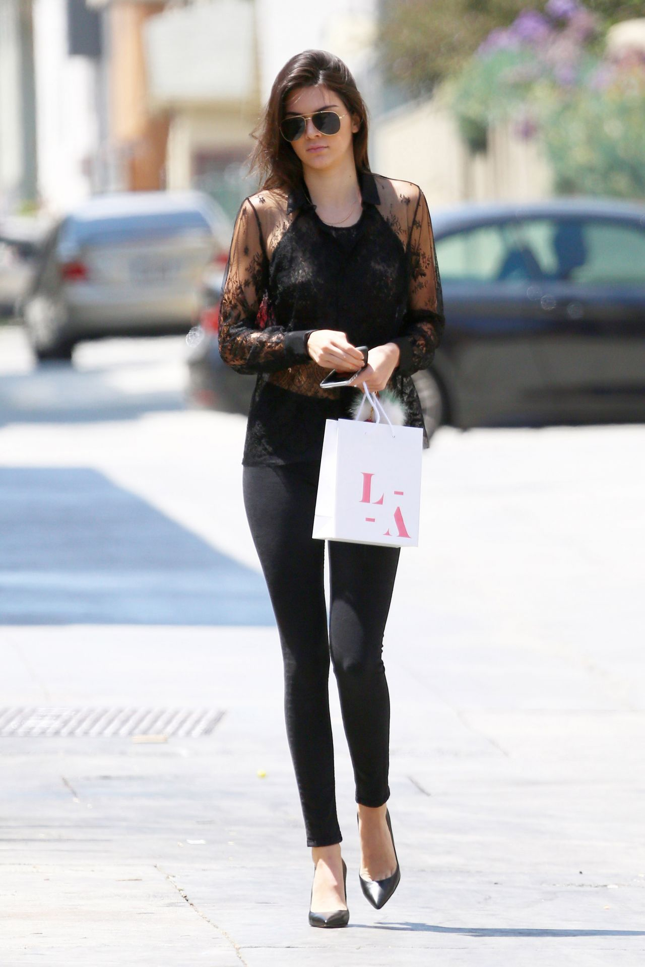 Kendall Jenner Casual Style Shopping In Santa Monica June 2015
