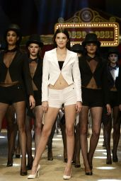 Kendall Jenner - Dosso Dossi Fashion Show in Antalya, Turkey, June 2015