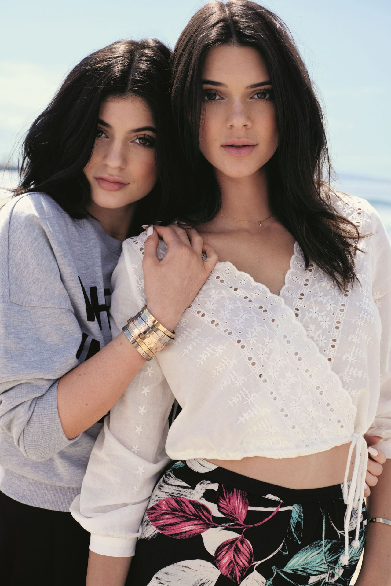 kendall jenner kylie jenner topshop collection promos 2015. Black Bedroom Furniture Sets. Home Design Ideas