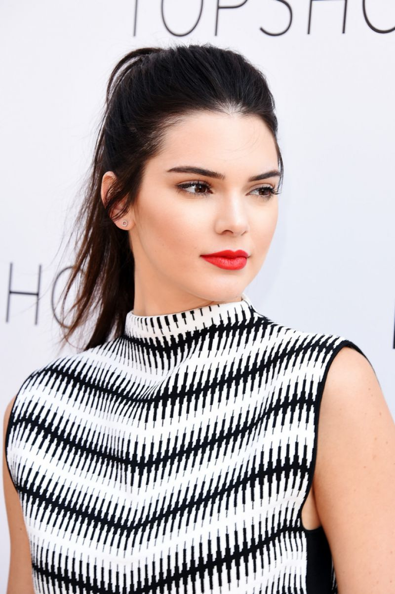 Kendall Kylie Maliboo Tee Top White On Tradesy: Launch Party For The Kendall + Kylie