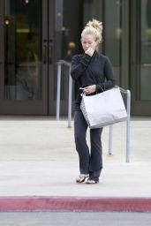 Kendra Wilkinson Leaving Nordstrom in Sherman Oaks, June 2015
