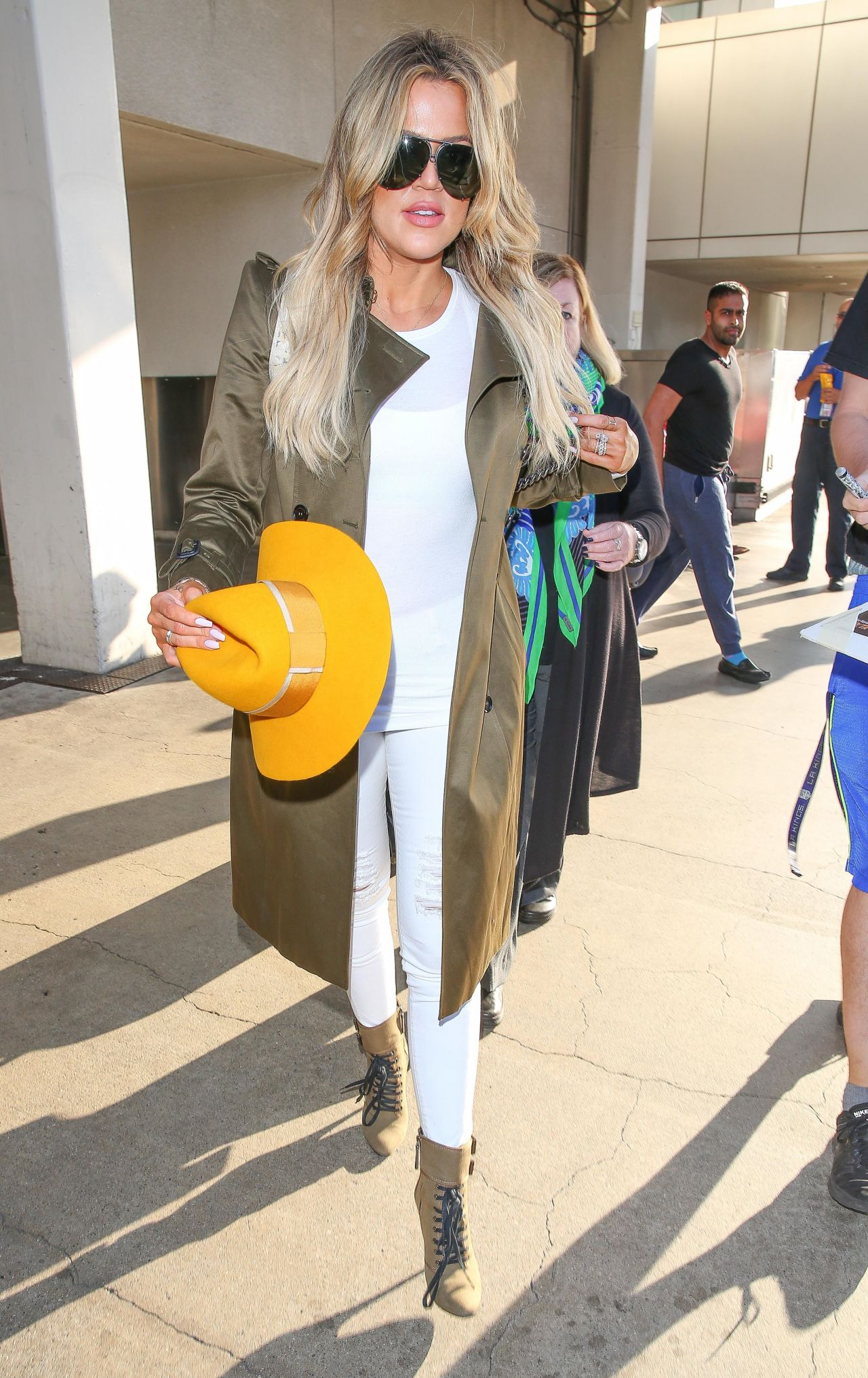 Khloe Kardashian - LAX Airport in Los Angeles, May 2015