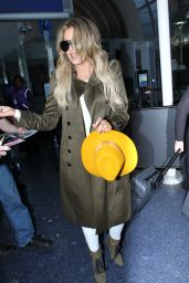Khloe Kardashian - LAX Airport in Los Angeles, May 2015
