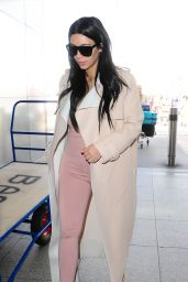 Kim Kardashian Airport Style - Heathrow in London, June 2015