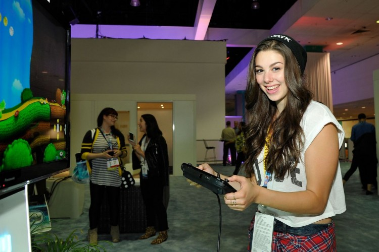 kira-kosarin-2015-e3-gaming-convention-at-los-angeles-convention-center_1