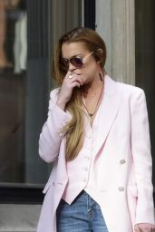 Lindsay Lohan Enjoyed a Late Lunch at Scott