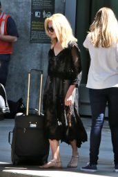 Margot Robbie Airport Style - at Pearson International Airport in Toronto, June 2015