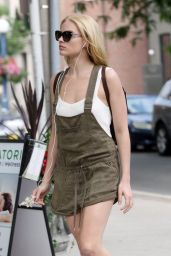 Margot Robbie Street Style  - Out in Toronto, Canada, June 2015