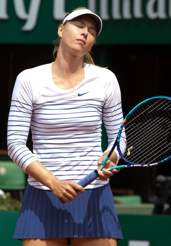 Maria Sharapova – 2015 French Tennis Open at Roland Garros in Paris – 4th Round