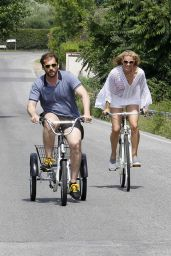 Michelle Hunziker & Tomaso Trussardi Go to the Bike in Forte dei Marmi, June 2015