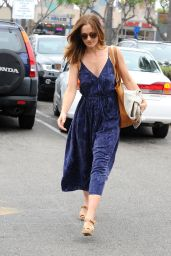 Minka Kelly Shopping at Whole Foods in Los Angeles, June 2015