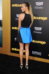 Nina Agdal - Entourage Premiere in Los Angeles