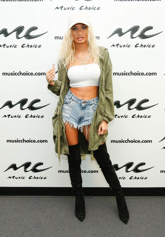 Pia Mia Perez - 20015 Music Choice in NYC