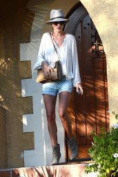 Rosie Huntington-Whiteley Out in Los Angeles, June 2015