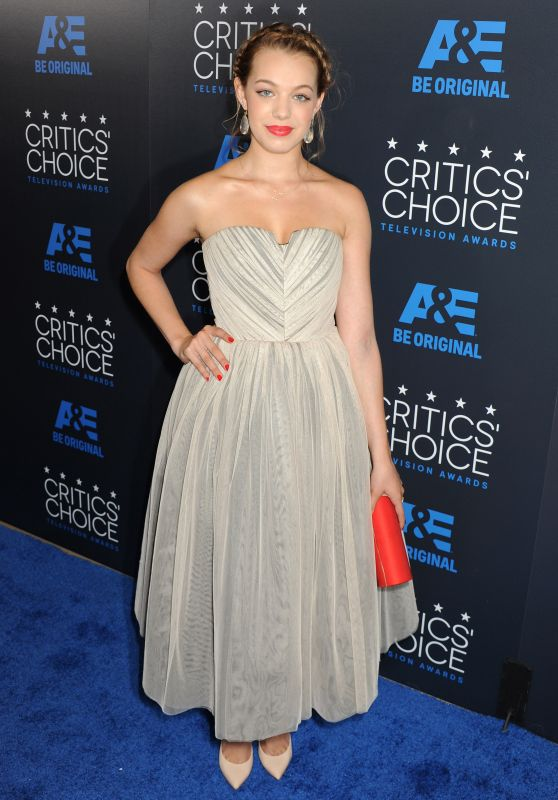 Sadie Calvano – 2015 Critics Choice Television Awards in Beverly Hills