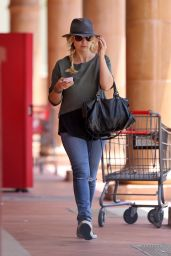 Sarah Michelle Gellar - Out in Brentwood, June 2015