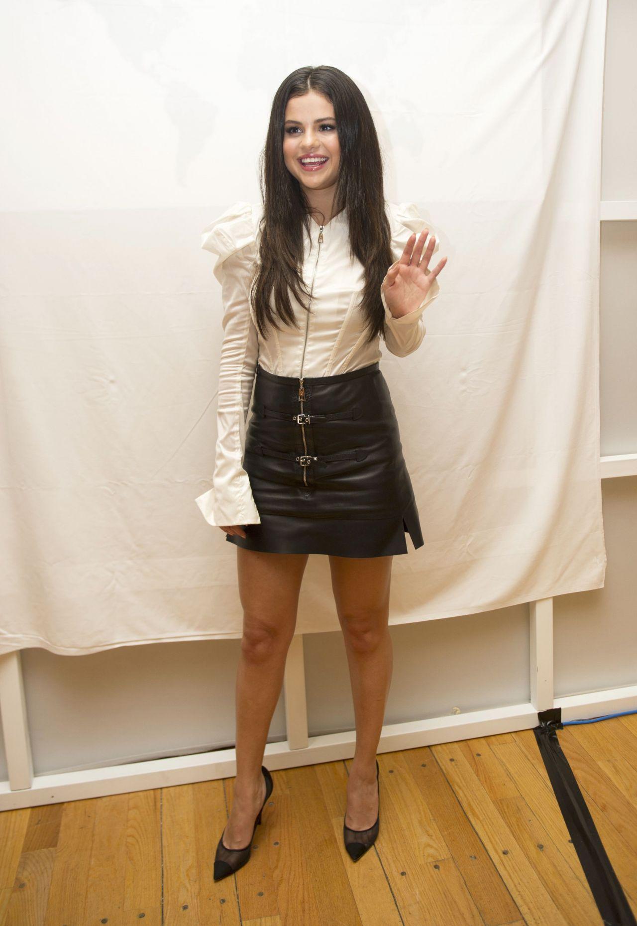 Selena Gomez - 'Hotel Transylvania 2' Press Conference in ...