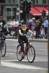 Shakira On Bicyle in Berlin, June 2015
