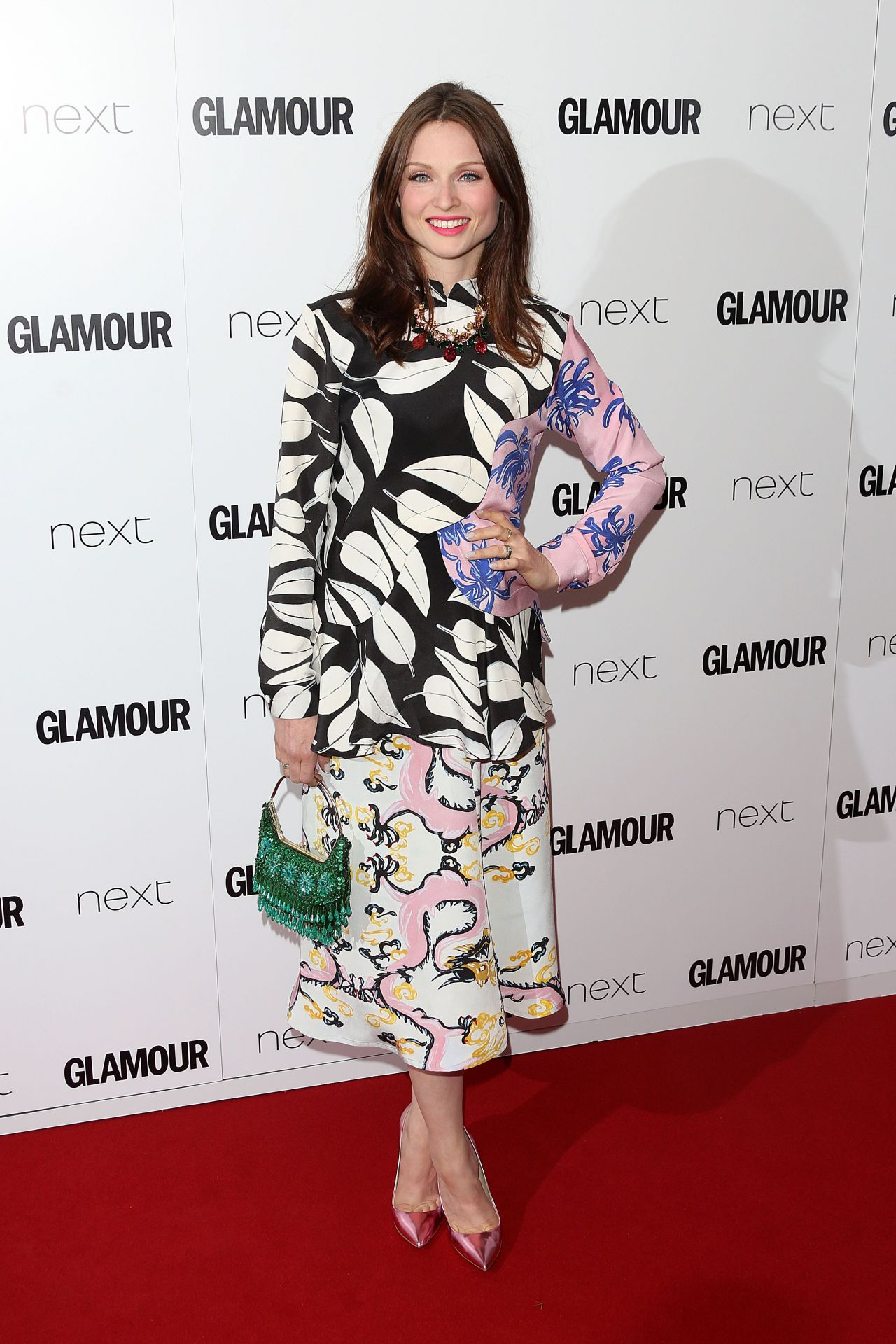 http://celebmafia.com/wp-content/uploads/2015/06/sophie-ellis-bextor-2015-glamour-women-of-the-year-awards-in-london_1.jpg