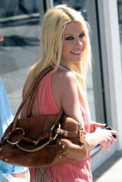 Tara Reid Casual Style - at E Baldi Restaurant in Beverly Hills, June 2015