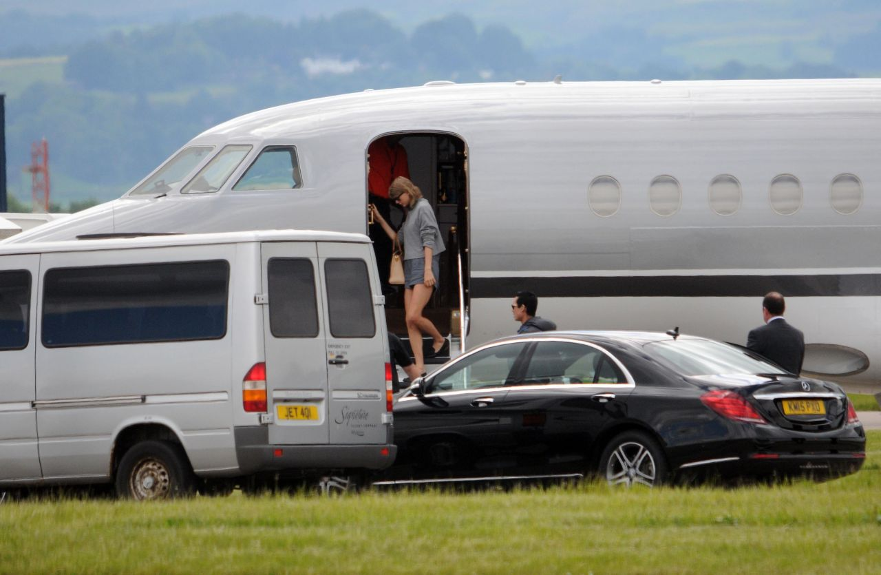 Taylor Swift - Glasgow Airport in Scotland, June 2015