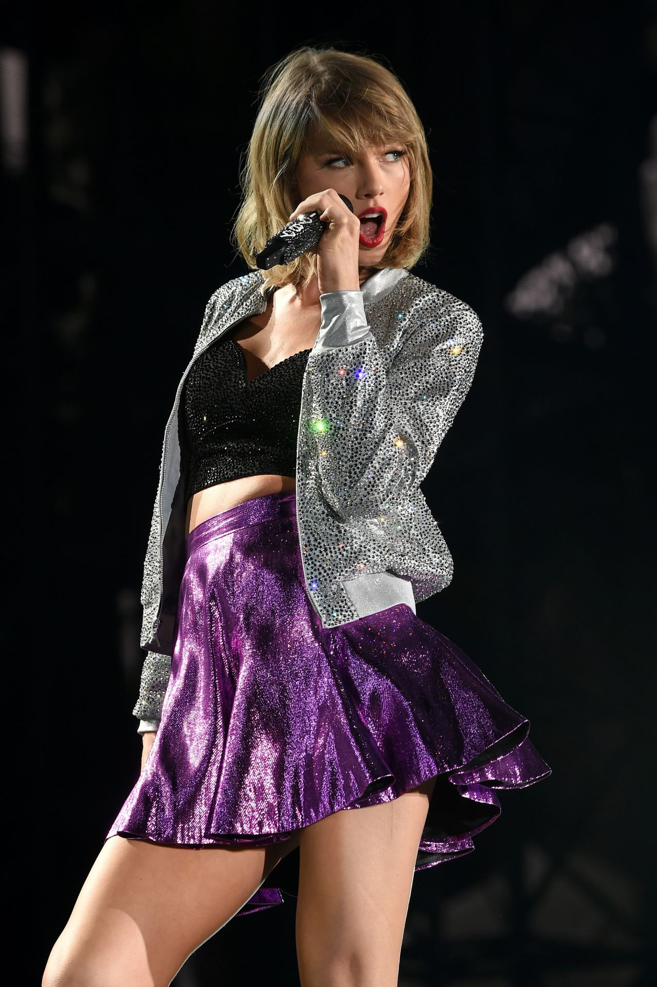 Taylor Swift Performing in Philadelphia, June 2015 - photo#37
