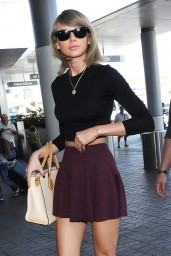 taylor-swift-style-at-lax-airport-june-2015_5