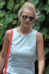 Teresa Palmer Street Style - Out in Hawaii, June 2015