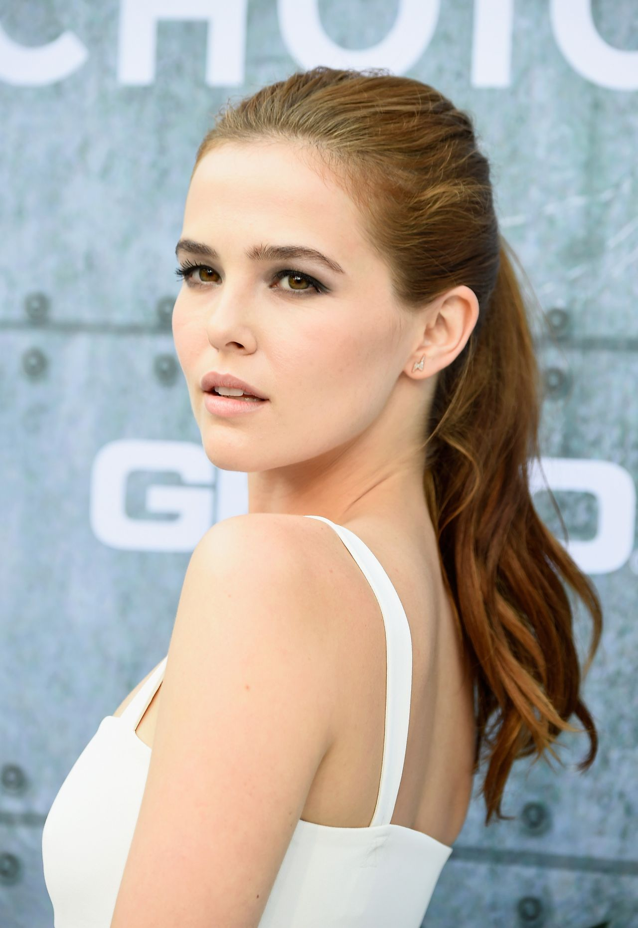 zoey deutch - photo #20