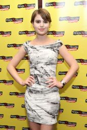 Sami Gayle – 'Penn & Teller On Broadway' in New York City