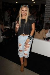 Alli Simpson – 2015 BeautyCon in Los Angeles