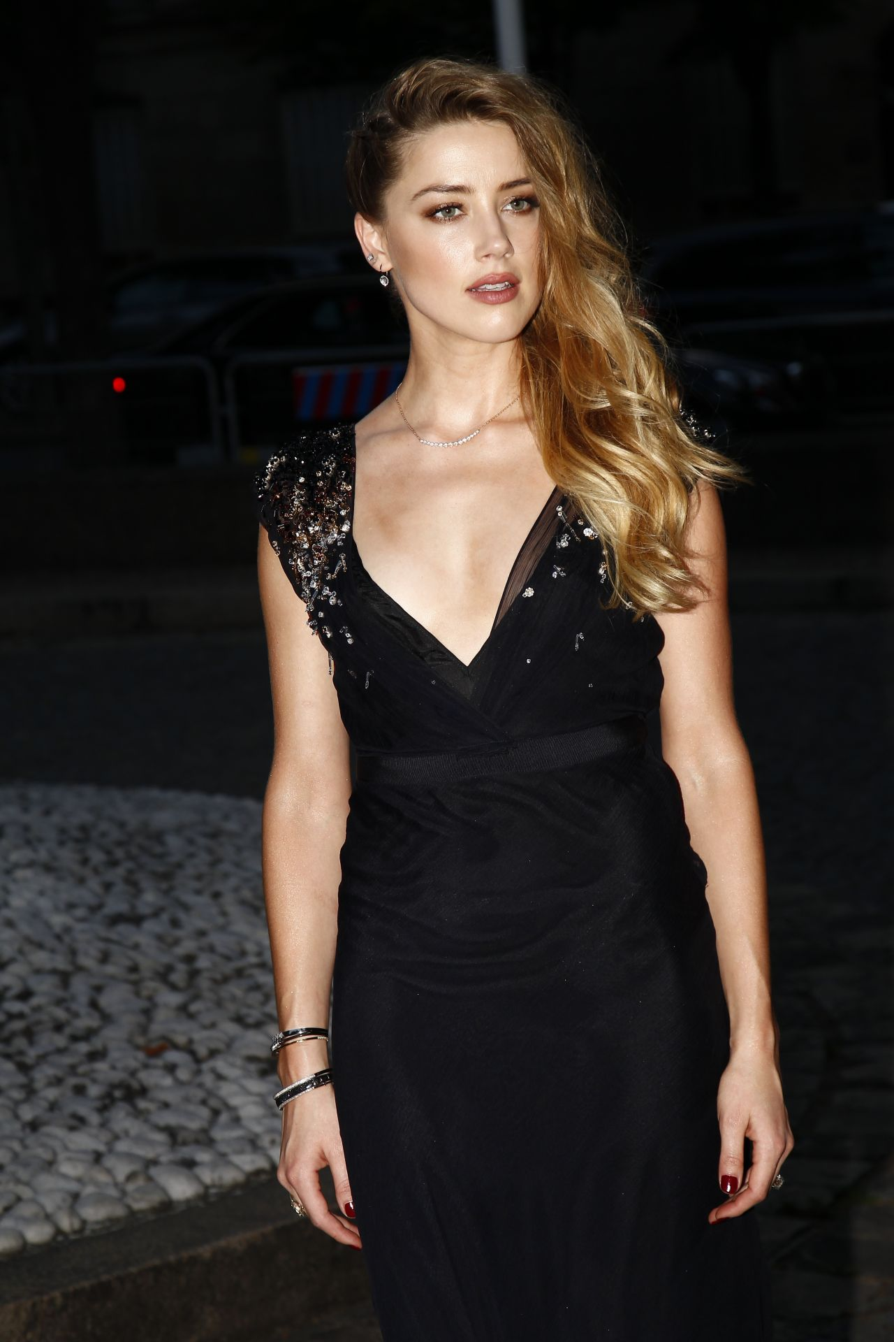 Amber heard with two guys in the informers scandalplanetcom
