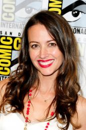 Amy Acker - Person of Interest Press Line at Comic-Con in San Diego, July 2015