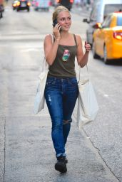 AnnaSophia Robb Street Style - Out in NYC, July 2015