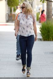 Britney Spears Casual Style - Shopping in Beverly Hills, July 2015