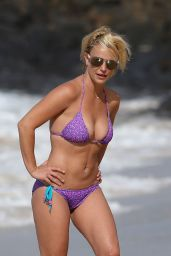 Britney Spears on a Beach in a Bikini in Hawaii, July 2015